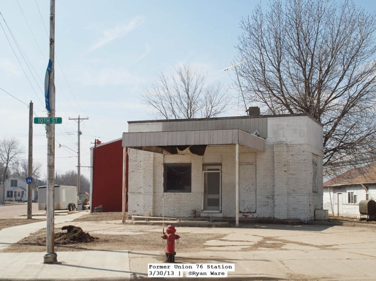 A gas station that is no longer in business
